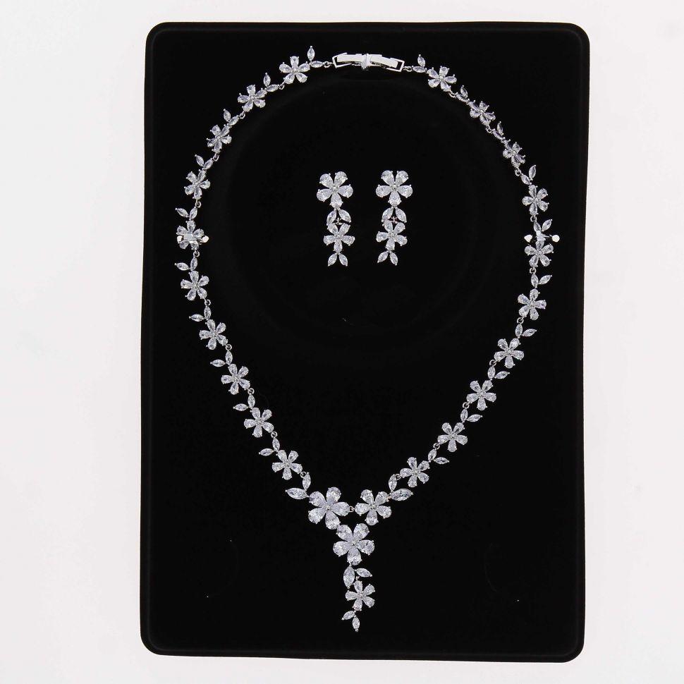 grossiste Parrure Collier et Boucles d'oreilles femme Cristal de Zirconium  Swarovski doré à l'OR, REINA