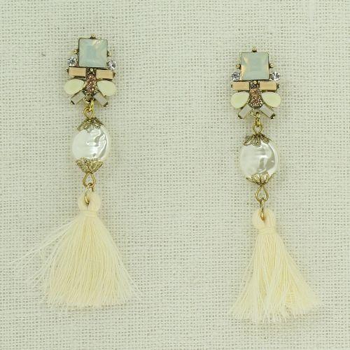 Tassel, drop, dangling woman Earring JUNA